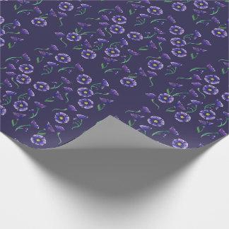 Violette lila Blume Einpackpapier