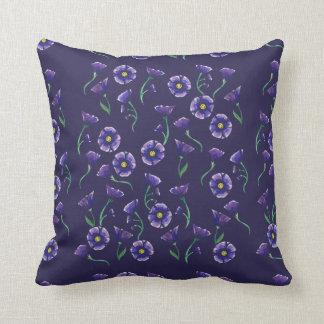 Violette lila Blume Zierkissen