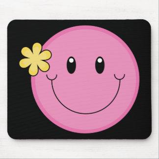 Visage souriant rose tapis de souris