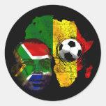 Visage sud-africain de drapeau d'amants du footbal autocollant rond