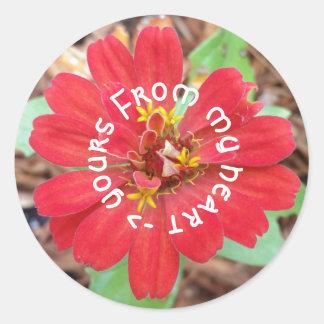 Von meinem Herzen zu Ihrem roter Blumenaufkleber Runder Aufkleber