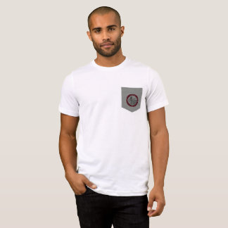 Vorbereitungs-Logo-Taschen-T-Stück T-Shirt