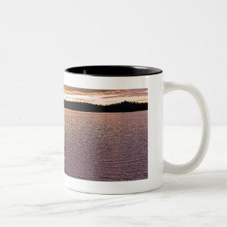 Wabakimi Kanu-Sonnenuntergang-Tasse Zweifarbige Tasse