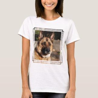 Wachsamer Schäferhund T-Shirt