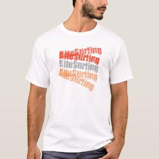 Wakestyle durch das Shirt zum zu entwerfen