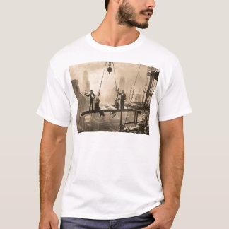 Waldorf Astoria altes Sepia-Foto T-Shirt