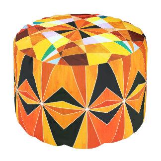 Warme Farbcoole eckige geometrische Formen Hocker