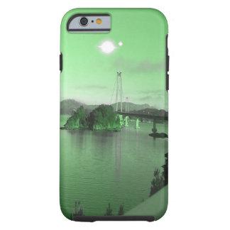 Wasser, Brücke und zwei Sonnen Tough iPhone 6 Hülle