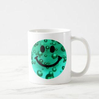 Wasser sprudelt smiley kaffeetasse