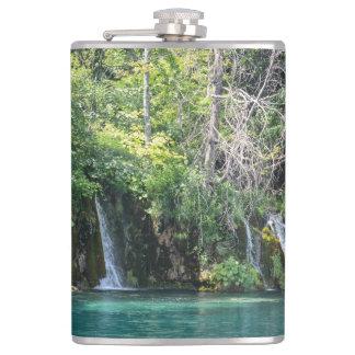 Wasserfälle in Plitvice Nationalpark in Kroatien Flachmann