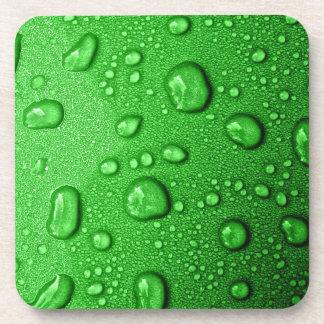 Wassertröpfchen auf grünem Hintergrund cool u na Untersetzer