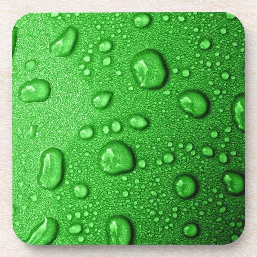 Wassertröpfchen auf grünem Hintergrund, cool u. na Untersetzer