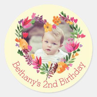 Watercolor-Blumenherz-Baby-2. Geburtstags-Foto Runder Aufkleber