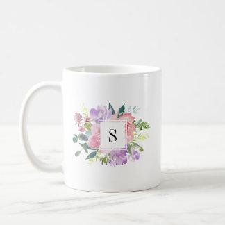 Watercolor-rosa lila Blumen-elegantes Monogramm Kaffeetasse