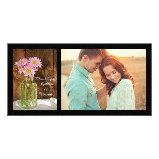Weckglas und rosa Gänseblümchen-Scheunen-Hochzeit Karte