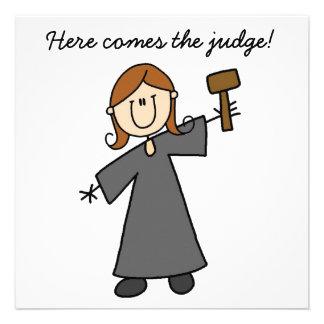 Weibliche Richter-Strichmännchen-Einladung