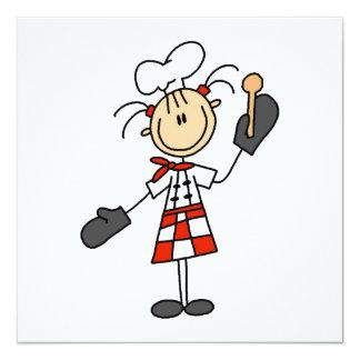Weiblicher Koch mit Mitten und hölzernem Löffel Quadratische 13,3 Cm Einladungskarte