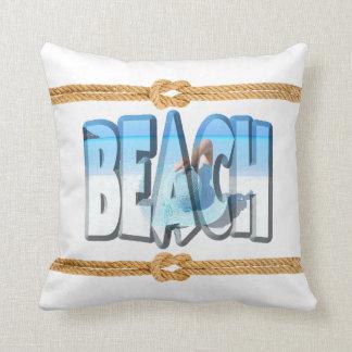 Weich weißer und blauer Strand-Frontenozean Kissen