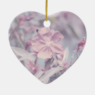 Weiche Pastelllavendel-Blume Keramik Herz-Ornament