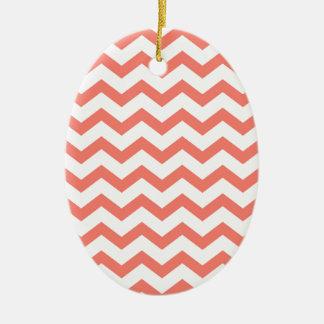 weiche rosa Zickzack Streifen Ovales Keramik Ornament