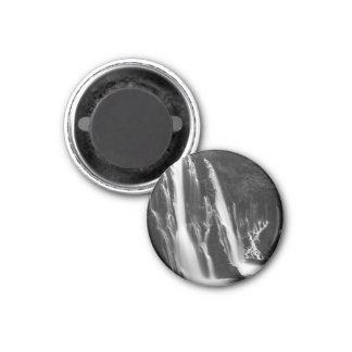 Weiche und glatte Burney Fälle Runder Magnet 3,2 Cm
