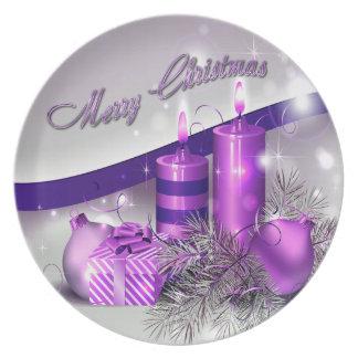 Weihnachten leuchtet lila Schein durch Melaminteller