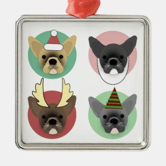 Weihnachtsbulldoggen-Welpen Quadratisches Silberfarbenes Ornament