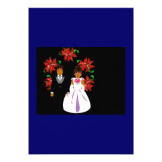 Weihnachtshochzeits-Paare mit Kranz im Blau