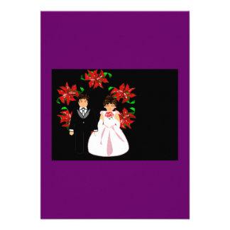 Weihnachtshochzeits-Paare mit Wreath im lila Rot