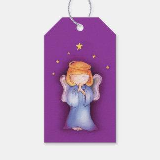 Weihnachtslila Geschenkumbau der niedlichen Geschenkanhänger