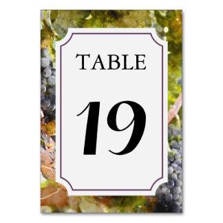 Weinberg-oder Weinkellerei-Tischnummer-Karte Karte
