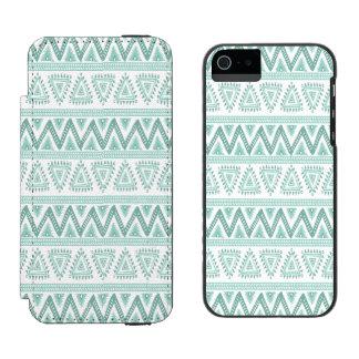 Weises Grün- u. weißes Stammes- geometrisches Incipio Watson™ iPhone 5 Geldbörsen Hülle
