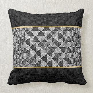 Weiß auf schwarzem modernem geometrischem Muster Zierkissen