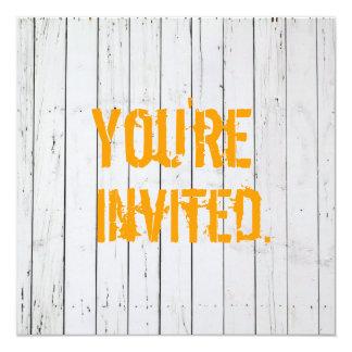 Weiß gemalte hölzerne Wand-Hochzeits-Einladung Quadratische 13,3 Cm Einladungskarte