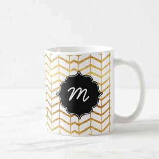 Weiß und Goldfischgrätenmuster Quatrefoil Kaffeetasse