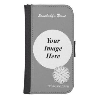 Weiße Blumen-Band-Schablone durch Kenneth Yoncich Galaxy S4 Geldbeutel Hülle