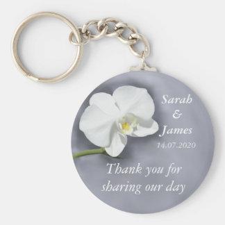 Weiße Orchideen-Gastgeschenk Standard Runder Schlüsselanhänger
