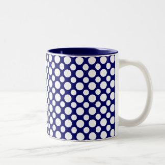 Weiße Polka-Punkte auf blauer Kaffee-Tasse Zweifarbige Tasse