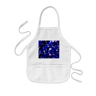 Weiße Sterne auf blauem gemustertem Hintergrund Kinderschürze