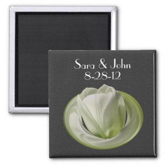 Weiße Tulpe-Blumen-Gastgeschenk Hochzeit Quadratischer Magnet