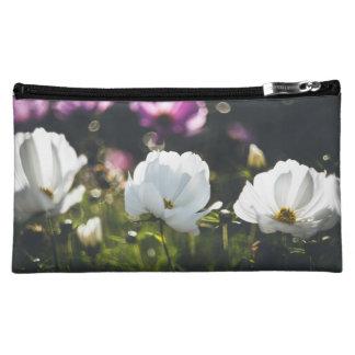 Weiße und lila Anemonen-Blumen Kosmetiktasche