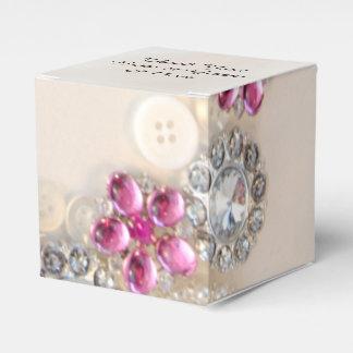 Weiße Wedding Perlen und rosa Diamant-Knöpfe Geschenkschachtel