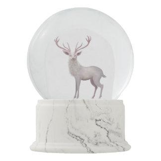 Weißer Hirsch Schneekugel