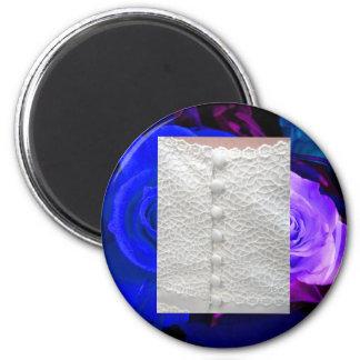 Weißer Hochzeits-Kleiderblauer lila Rosen-Magnet Magnets