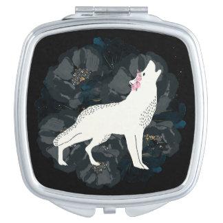 Weißer Wolf auf Kreis des schwarze Rosen-kompakten Schminkspiegel