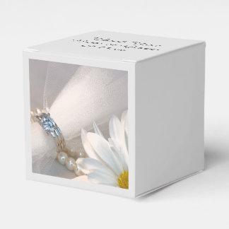 Weißes Gänseblümchen-Eleganz-Hochzeit Geschenkschachtel