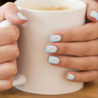 weißes Gänseblümchen Minx Nagelkunst