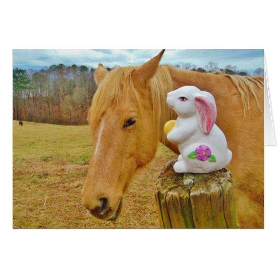 Weißes Kaninchen und blondes gelbes Pferd Grußkarte