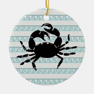 Wellen-Muster-Silhouette der Krabbe Rundes Keramik Ornament