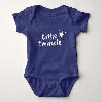 Wenig Wunder Baby Strampler